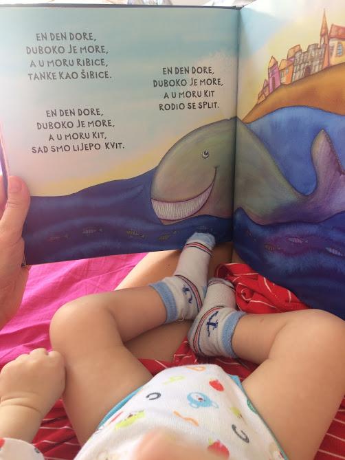 Ima li smisla čitati djeci od najranijih dana?