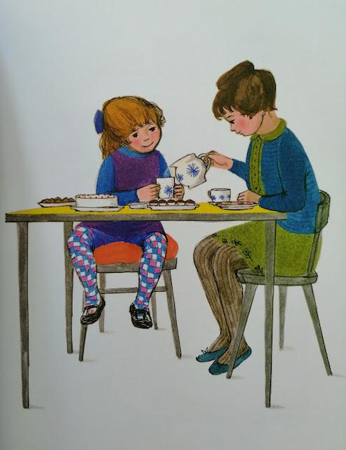 Sofija i mama piju čaj