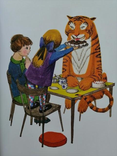 Sofija nudi tigru kolačiče